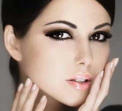 آموزش آرایش چشم مشکی و پوست سفید