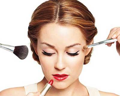 آرایش زیاد جذاب تر است یا آرایش کم ؟